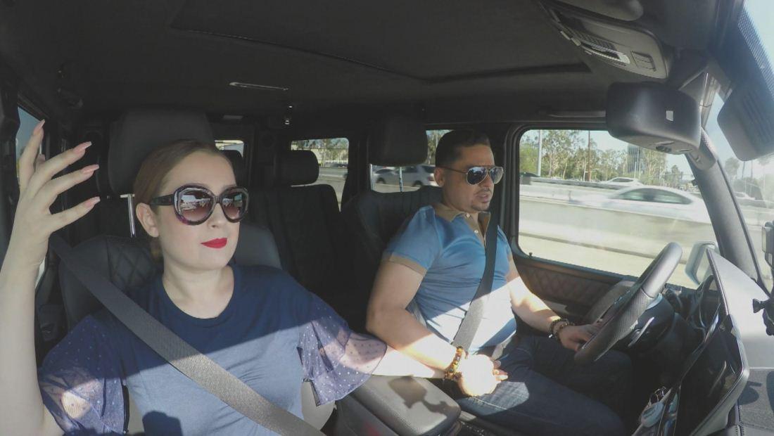 Conversación en auto