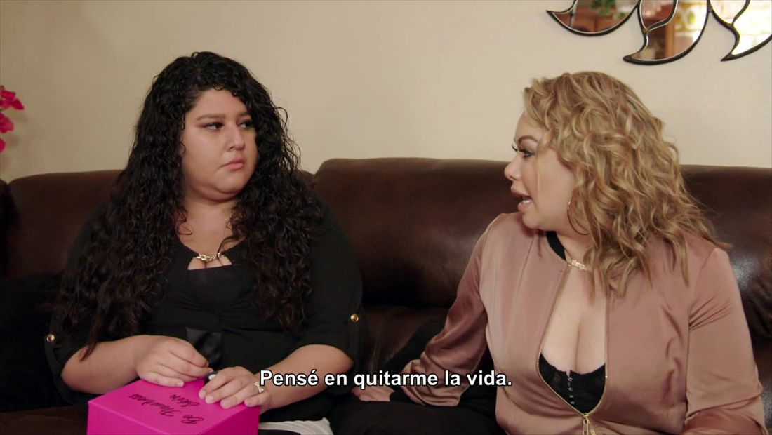 Chiquis has a heartfelt talk with a fan