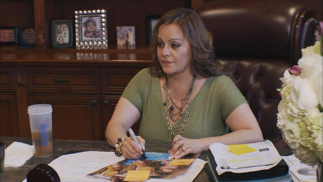 Jenni tells Chiquis she's proud of her