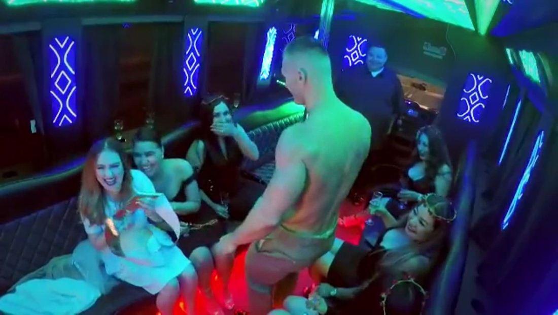 ¡Sorpresa, llegó el stripper!