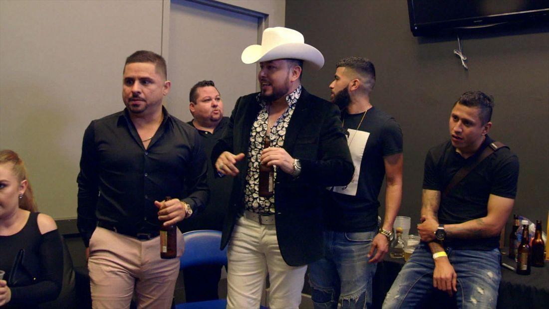 Un tequila con Roberto Tapia