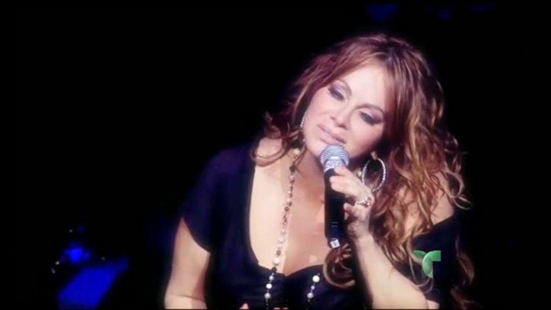Homenaje a Jenni Rivera en los Premios Billboard 2013 (VIDEO)